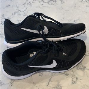 Women's Nike shoes